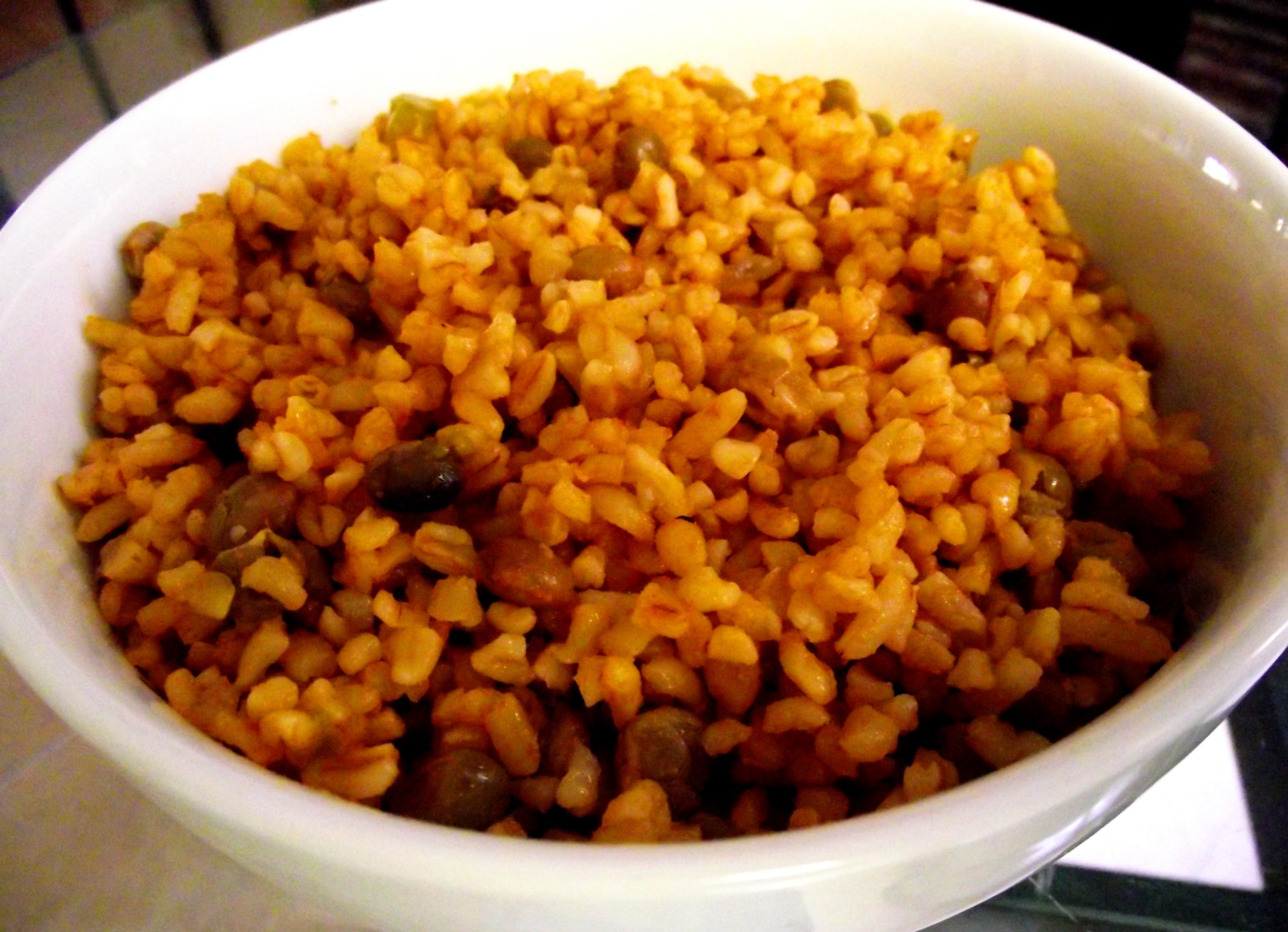 Moro de trigo y guandules con coco el fogoncito for Cocinar trigo