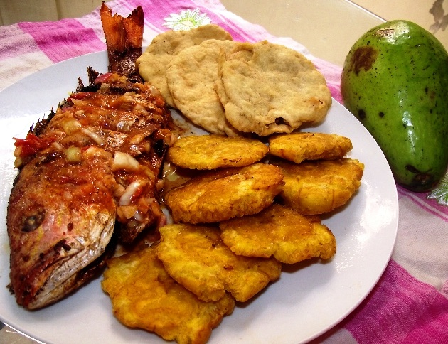 "Pescado frito ""Boca Chica Style"""