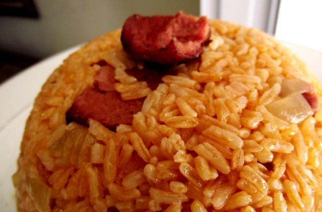 locrio de salami dominicano