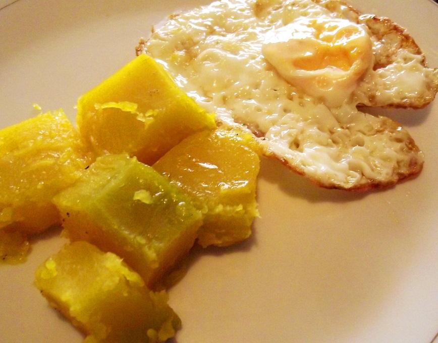 Huevo frito con auyama