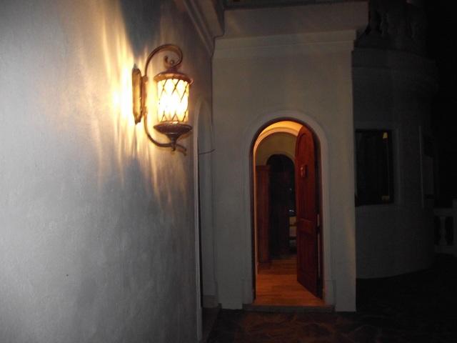 Mansion Dorothy de noche